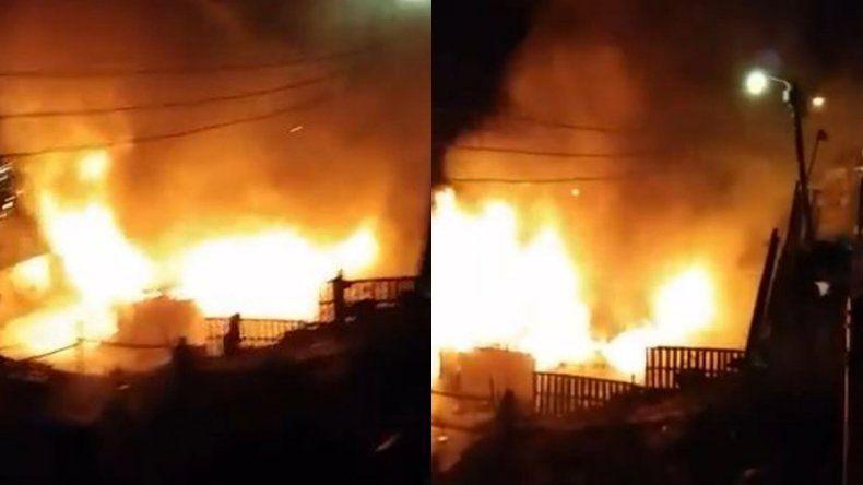 Dos casas fueron consumidas por el fuego