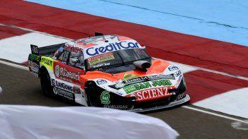El Dodge de Nicolás Pezzucchi que dominó ayer en el TC Pista.