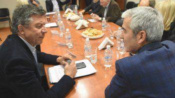 Gustavo Menna estuvo ayer en la Legislatura de Chubut, donde defendió las reformas que impulsa Macri.