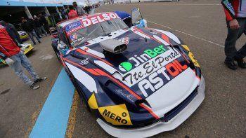 El Ford de Marcelo Agrelo que ayer se ubicó séptimo en la primera serie del TC Pista.