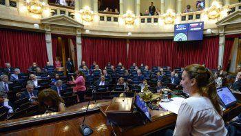 el senado empieza a discutir el resistido proyecto de reforma laboral