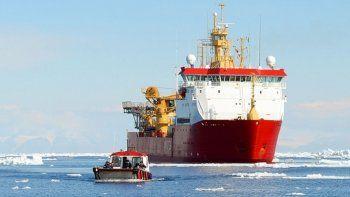 el barco britanico que se sumo a la busqueda