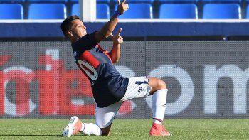 Matías Pérez García festeja el primer gol de Tigre ayer en la victoria frente a Estudiantes.
