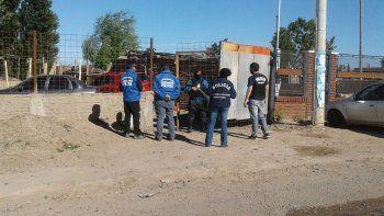 Fueron cinco los allanamientos que se efectuaron ayer en la ciudad de Neuquén por un millonario robo que se produjo el 8 de noviembre en un edificio de Comodoro Rivadavia.