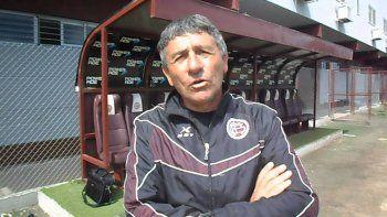 Ariel Paolorossi visita Comodoro para intercambiar experiencias con los entrenadores locales.
