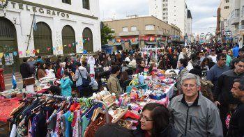 Se desarrolló con éxito la cuarta edición del Paseo de Compras a Cielo Abierto que propuso la Cámara de Comercio de Comodoro Rivadavia.