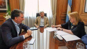 finalmente santa cruz firmo la adhesion al pacto fiscal