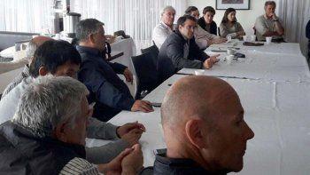 Legisladores provinciales, autoridades de Parques Nacionales y dirigentes de la Federación de Instituciones Agropecuarias debatieron el polémico proyecto que presentó Roxana Reyes.
