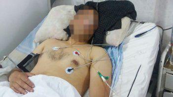 A J.C. le extirparon un testículo y permanece internado en el Hospital Regional.