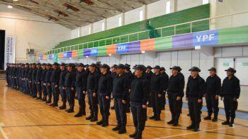 68 agentes de policia recibieron sus ascensos