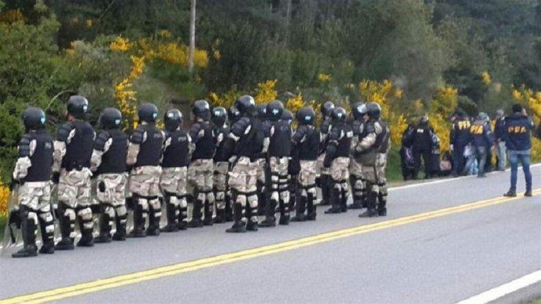 Policía Federal movilizó a 300 agentes para desalojar a una comunidad mapuche