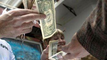 el banco central legalizo a los arbolitos que venden dolares en la calle