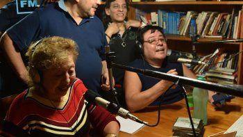 Ana Juncos y Antonio Barra, propietarios de la FM, junto a Ricardo Duarte y Carlos Orozco, conductores de otros programas.