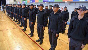 Los 68 egresados reforzarán las comisarías de Comodoro Rivadavia.