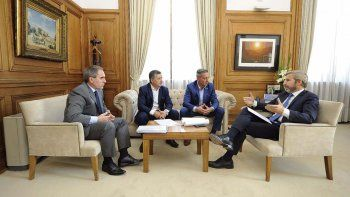 Arcioni realizó gestiones ayer en Buenos Aires. Vuelve con otra promesa de Nación.