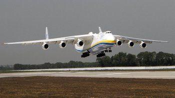 se suma al operativo uno de los aviones mas grandes del mundo