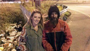 un indigente le dio sus ultimos 20 dolares para una emergencia y ella inicio una campana para ayudarlo