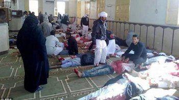 atentado en egipto deja 270 muertos y 90 heridos