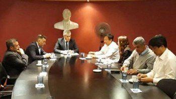 Previo a la audiencia de conciliación en el Ministerio de Trabajo, directivos de Sinopec se reunieron en la Casa de Santa Cruz con autoridades provinciales.