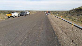 Vialidad coloca de barandas de seguridad sobre la Ruta 56