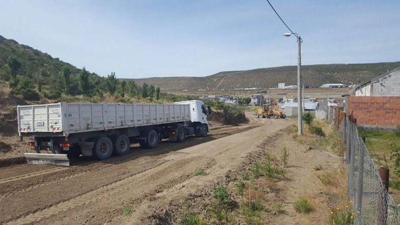 La Municipalidad también reparó el camino que une el barrio Los Arenales con Amanecer y Bella Vista.