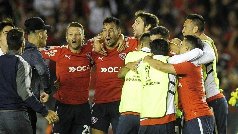 El Rojo le ganó a Libertad y sueña con la Copa