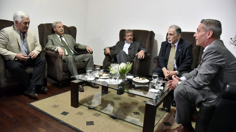 Exgobernadores destacaron la vocación de diálogo de Arcioni