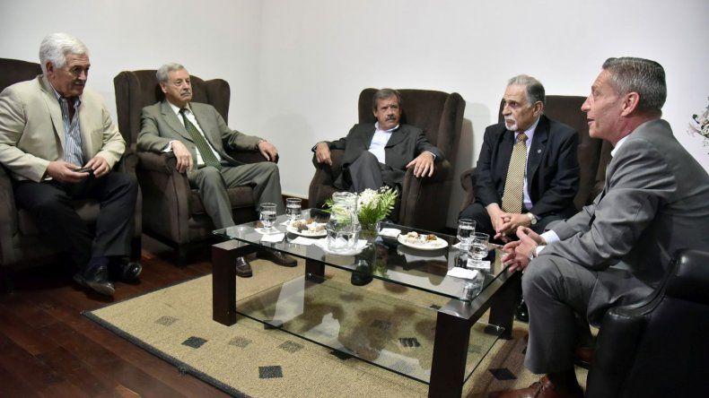 Mariano Arcioni analizó la situación de Chubut junto a cuatro exgobernadores