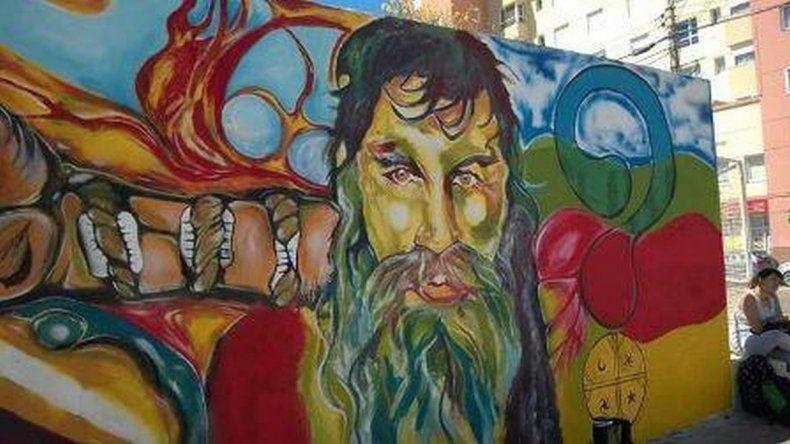 Artistas locales recuperaron el mural vandalizado
