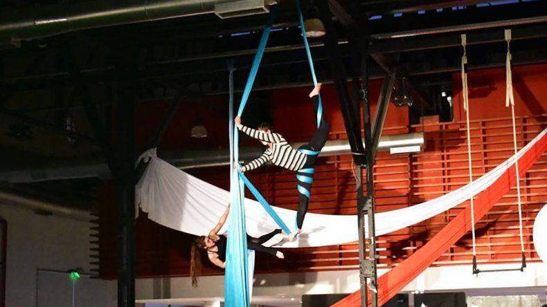 El Taller de Telas ofreció un gran espectáculo en el marco del cierre de los talleres culturales en el Centro Cultural.