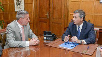 Ha llegado el momento de las respuestas concretas, le dijo Arcioni al ministro que hasta hace poco era el presidente de la Sociedad Rural.