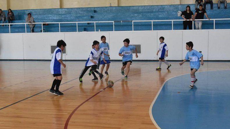 El futsal comunitario corona a sus campeones
