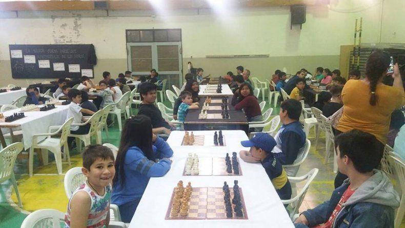 El ajedrez cerrará hoy una intensa temporada en instalaciones de la histórica Escuela 83.