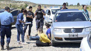 La pareja de exmilitares está sospechada por la Brigada de Investigaciones en dos asaltos con arma blanca en la zona norte de Comodoro Rivadavia.