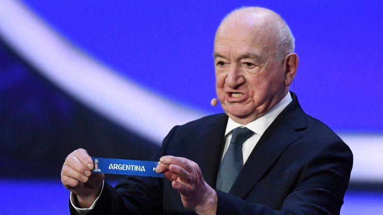 El ex delantero y entrenador de la URSS Nikita Simonyan