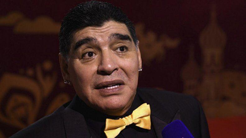 Maradona: no se puede jugar tan mal como lo está haciendo