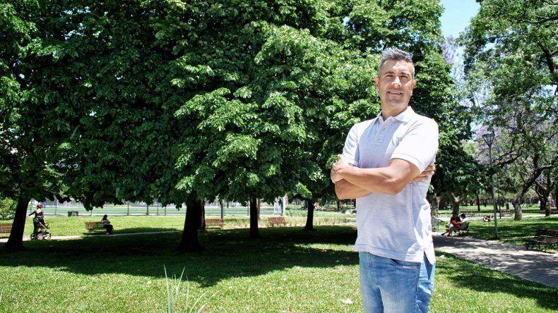 El exbasquetbolista comodorense Gabriel Cocha es el director ejecutivo de la compañía First Sports en Latinoamérica.