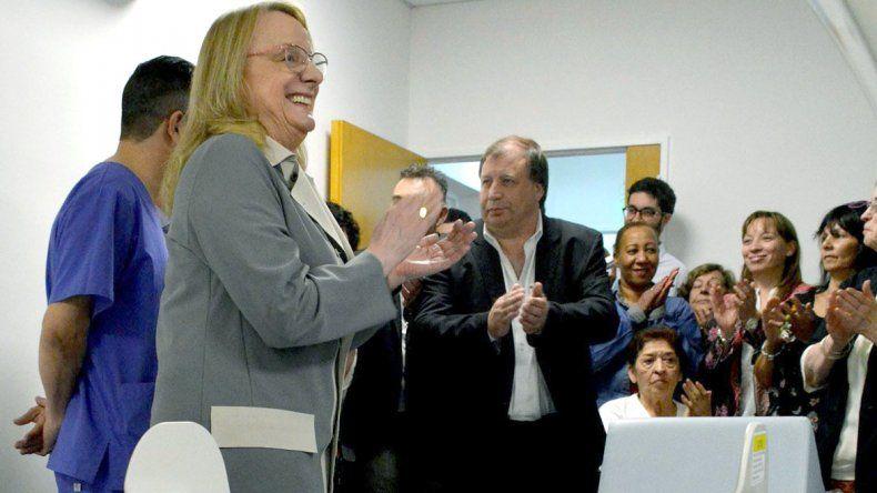 Acompañada por miembros de su gabinete y el intendente de Puerto San Julián