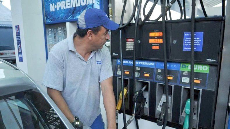 En las estaciones de servicio de bandera YPF se incrementaron un 6% las naftas y gasoil. En lo que va del año