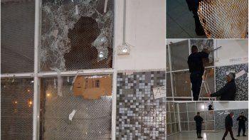 atacaron a piedrazos un colegio en kilometro 8