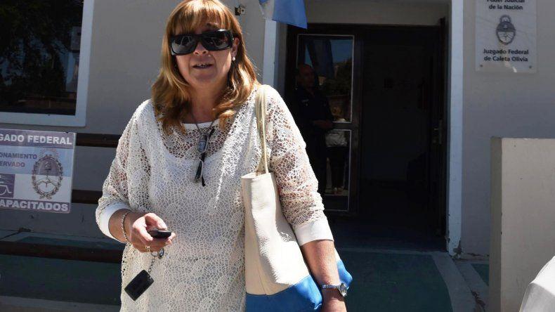 Dos oficiales de Puerto Belgrano  llegaron a Caleta con documentación