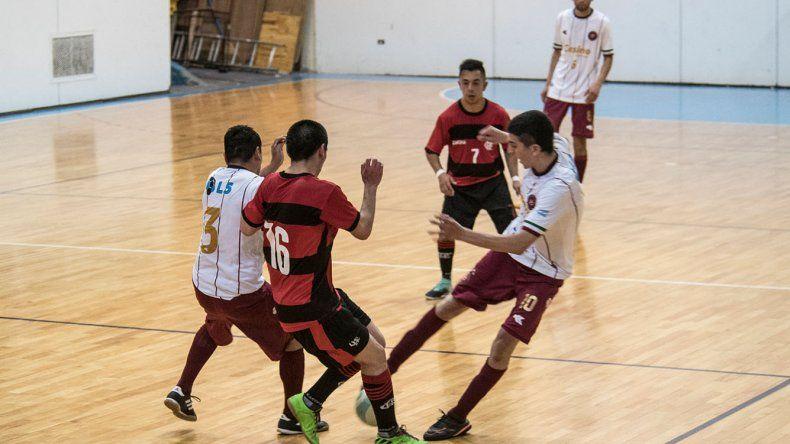 Flamengo se impuso por 3-2 a Casino Futsal y se mantiene con puntaje perfecto en el torneo Clausura de fútbol de salón.