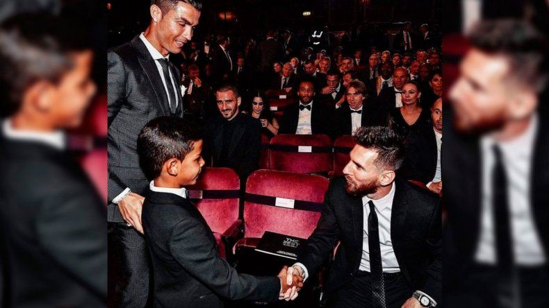 El hijo de Cristiano Ronaldo estrenó su Instagram con un mensaje a Messi