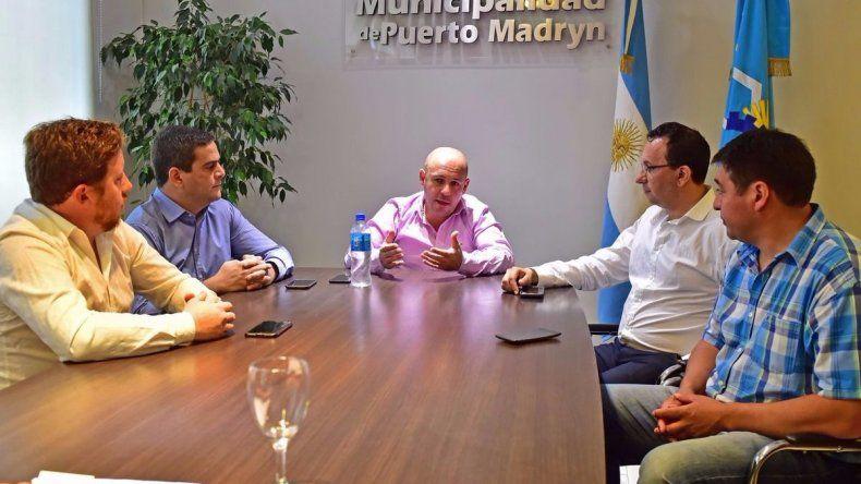Intendentes se reunieron en Madryn por la crisis económica