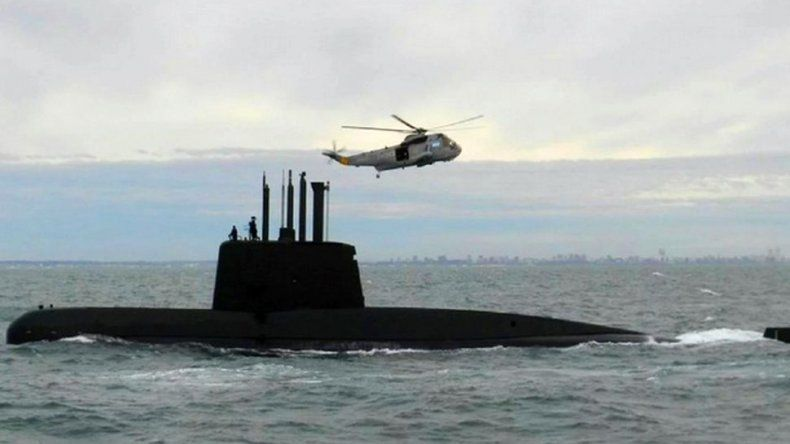 El capitán del submarino hizo ocho llamados satelitales