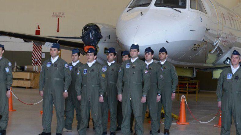 Los nuevos pilotos de la Brigada Aérea local ayer tuvieron su acto de egreso.