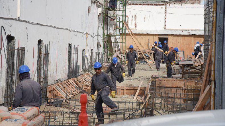 Trabajadores en la mira. La reforma que impulsa Macri se propone quitarles derechos bajo la excusa de que así se generará más empleo.