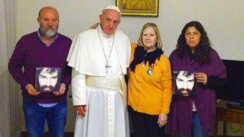 el papa recibio a la familia de santiago maldonado en el vaticano
