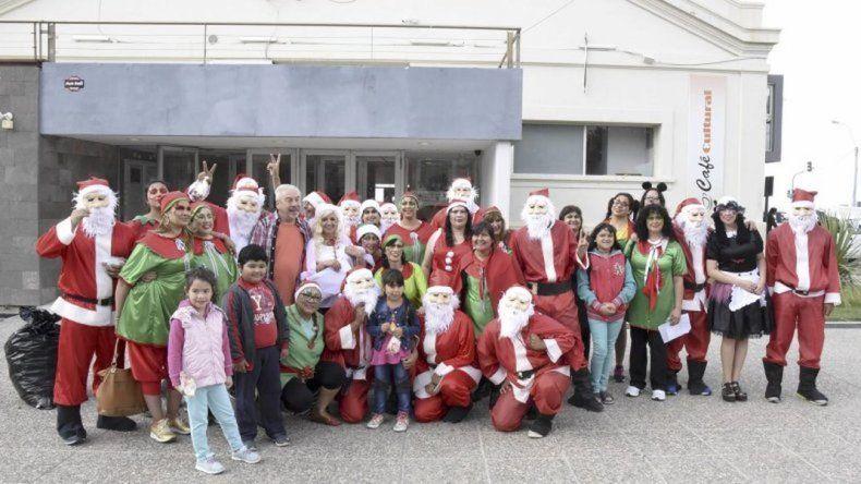 El Centro Cultural se viste de Navidad con feria artesanal y Papá Noel