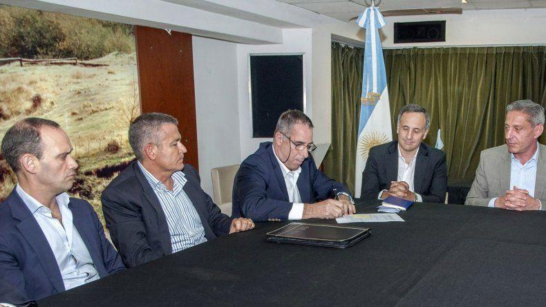 PAE acordó extender hasta fines de julio el trabajo de equipos en Cerro Dragón